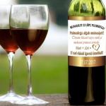 kleebis pulmadeks veinile